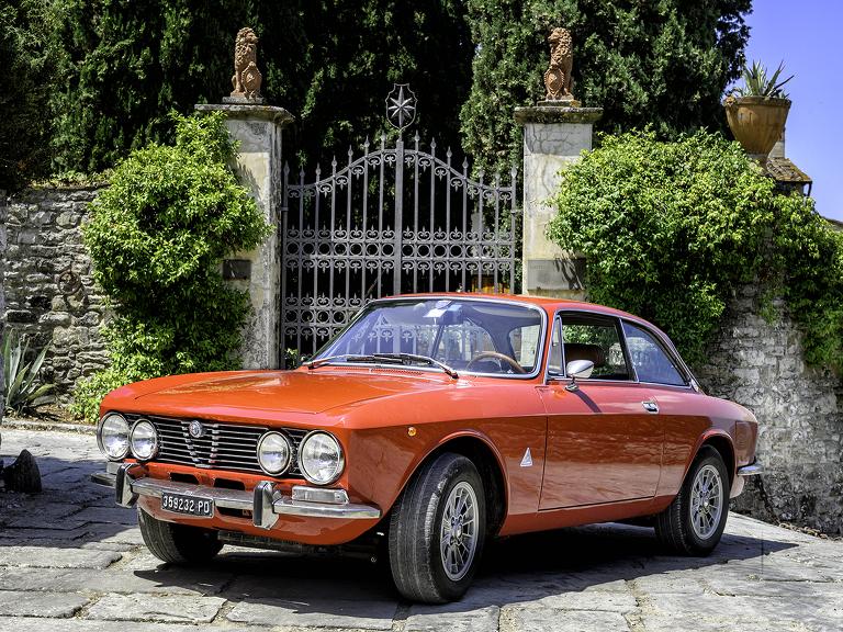 vintage Alfa Romeo in Tiscany
